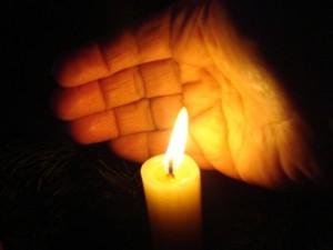 Նոր տարին դիմավորել են մոմերի լույսի ներքո